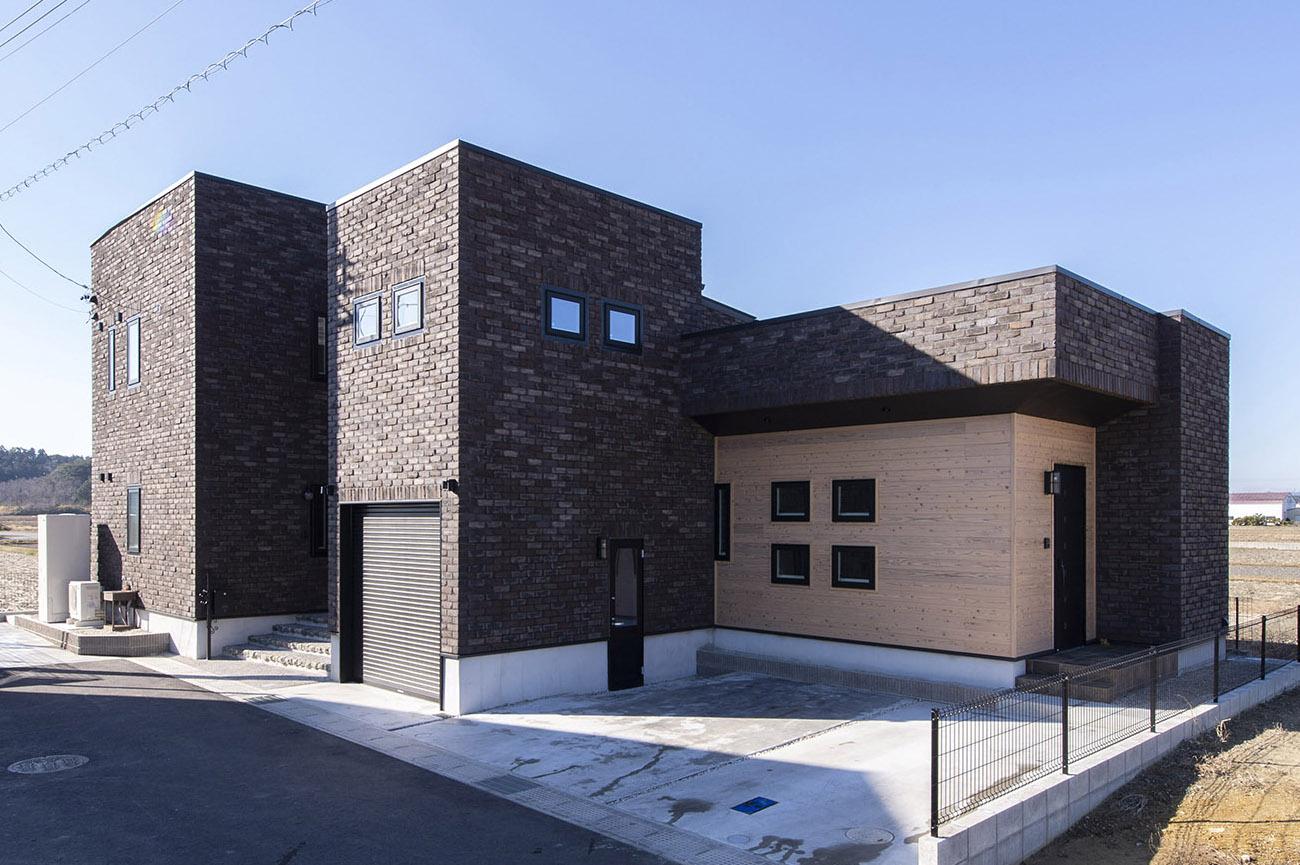 四角いレンガの家
